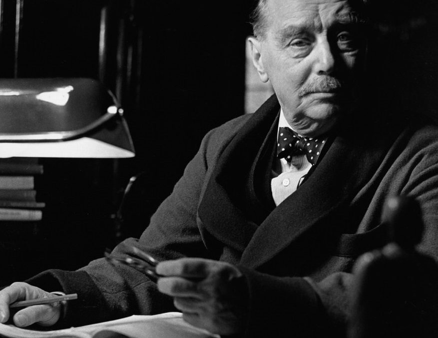 """Tune in for a classic tale from H.G. Wells in the latest episode of """"WHEN HORROR MEETS SCIENCE FICTION"""""""